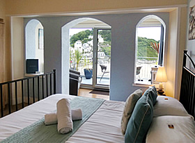 Helford - Superior double room with balcony and sea views