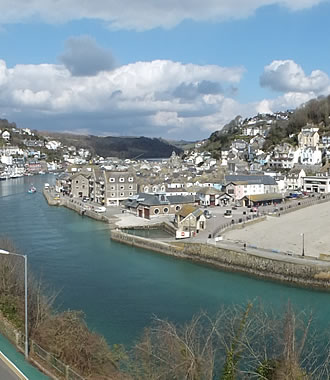Tamar family room has spectacular views over Looe town, beach and the sea
